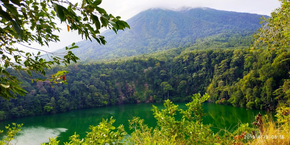 Danau Tolire di kaki Gunung Gamalama
